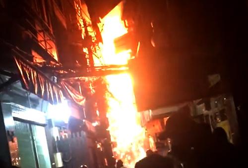 Warehouse in Saigon's backpacker precinct burns to the ground