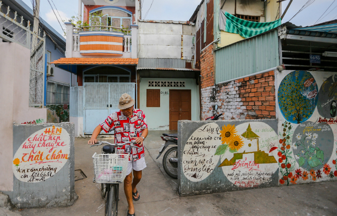 murals-bathe-saigon-alleys-with-a-splash-of-color-1