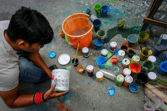 murals-bathe-saigon-alleys-with-a-splash-of-color-10