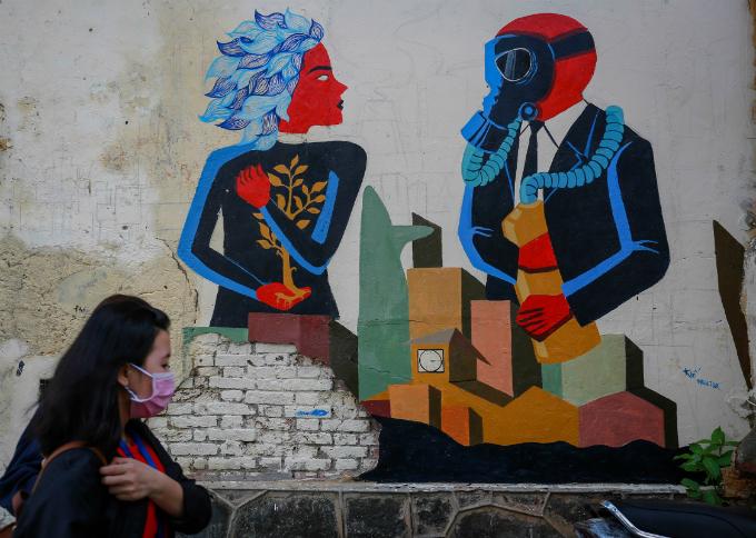 murals-bathe-saigon-alleys-with-a-splash-of-color-12