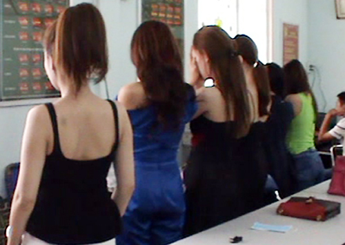 saigon-police-bust-high-end-prostitution-ring-involving-models-actresses