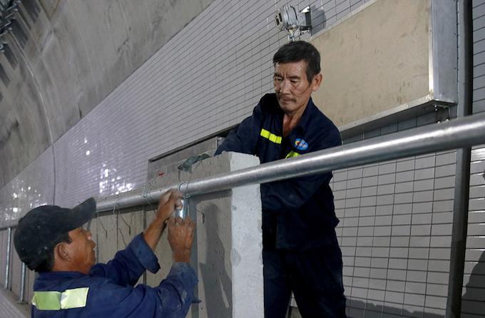 vietnam-set-to-open-new-tunnel-through-mountain-pass-to-reduce-crashes-4