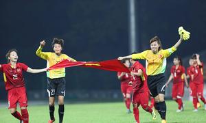 Vietnam's women bag dramatic football gold at SEA Games