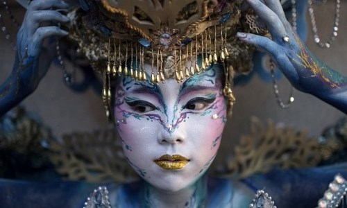 Naked models become living art at S. Korea festival