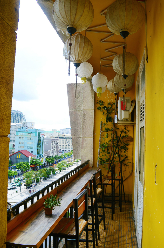 put-these-quirky-cafes-on-your-where-to-go-list-for-a-weekend-in-saigon-1