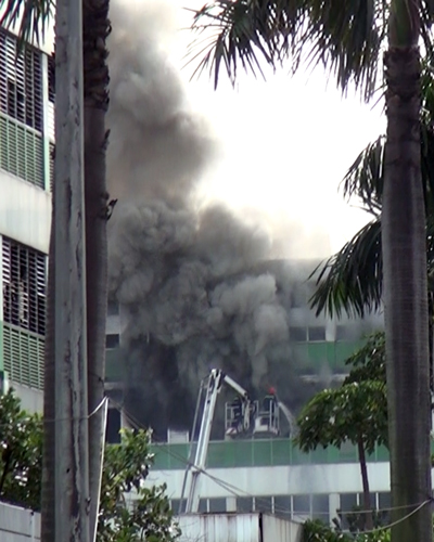 1-000-workers-flee-blaze-at-nike-adidas-shoe-factory-in-saigon