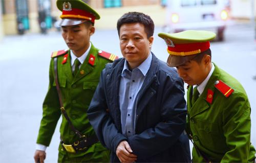 51-bankers-businessmen-in-the-dock-as-vietnam-reopens-massive-bank-fraud-trial-1