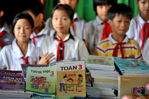 Sexist school textbooks holding back gender equality in Vietnam: report