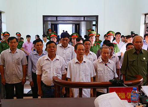 ten-hanoi-officials-appeal-prison-sentences-for-stealing-land-from-locals