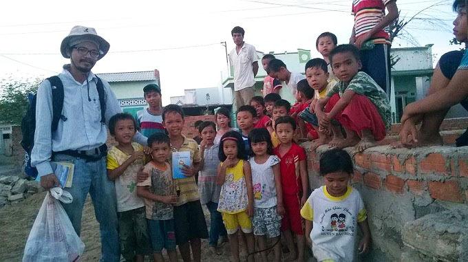 Vietnamese man's rural library revolution gains US kudos