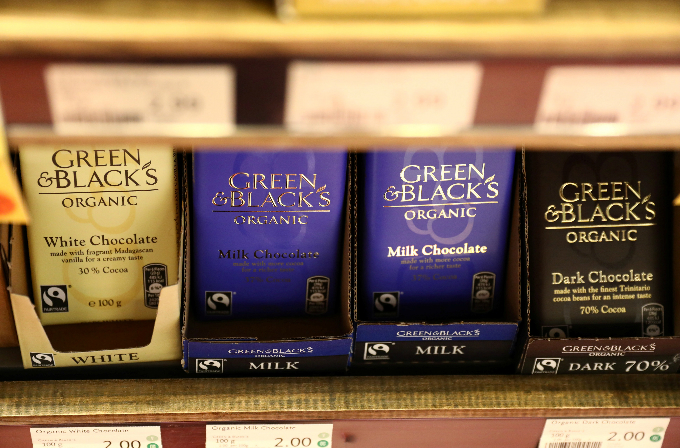 Green and Blacks chocolate bars are displayed for sale in a store in London, Britain August 24, 2017. Picture taken August 24, 2017. Photo by Reuters/Neil Hall