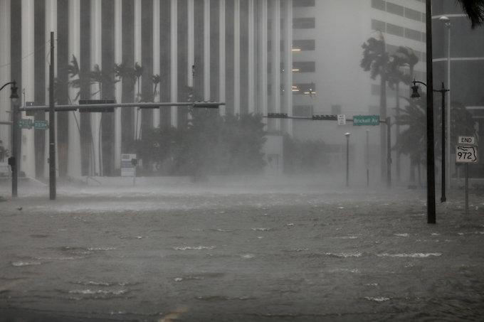 irma-aims-full-fury-at-floridas-gulf-coast-floods-central-miami