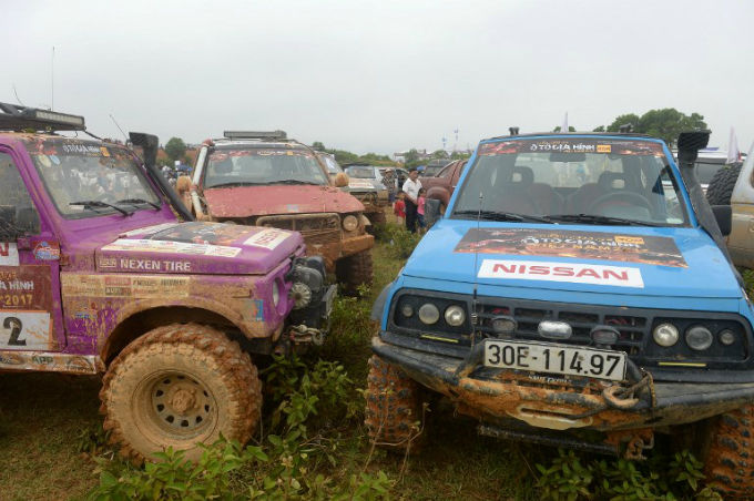 Vehicles that will be competing in the Vietnam Offroad 2017 race on the outskirts of Hanoi. Photo by AFP/Hoang Dinh Nam