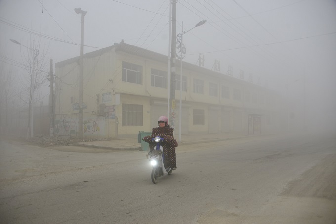 China's war on smog chokes Shandong industries, smokes out fuel kiosks