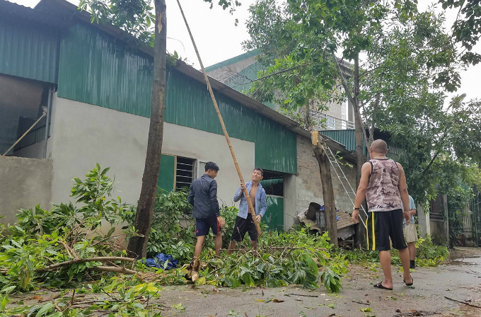 vietnam-braces-for-strongest-typhoon-in-decade-orders-evacuation-1