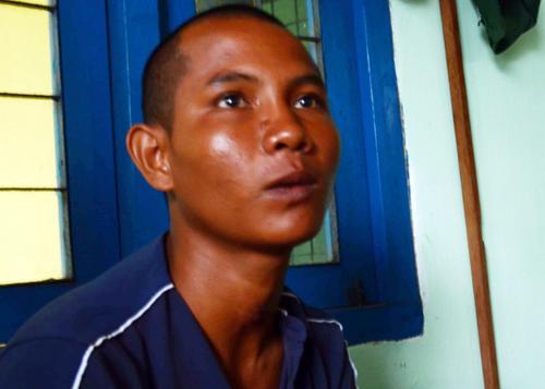 Vietnamese man survives titanic three nights at sea clinging to plastic bag