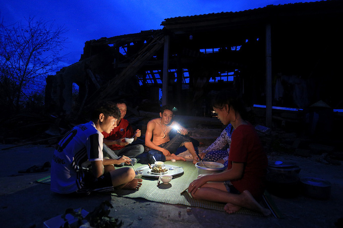 in-central-vietnam-life-after-doksuri-means-making-peace-with-the-brokenpieces-9