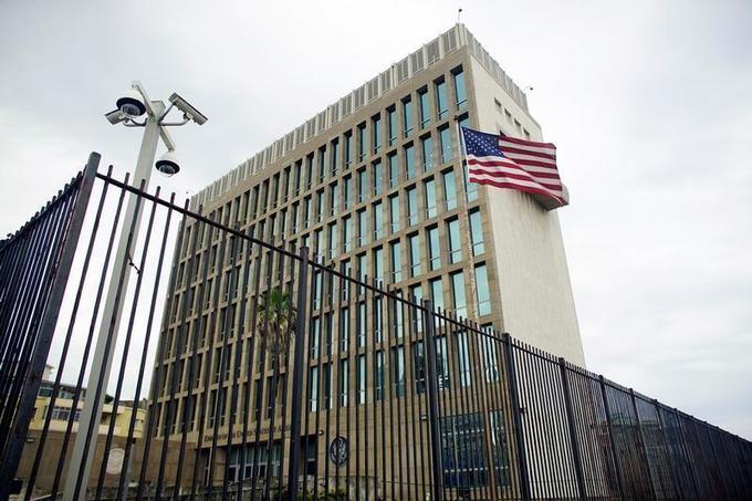 US may close Cuba embassy after 'attacks' on diplomats