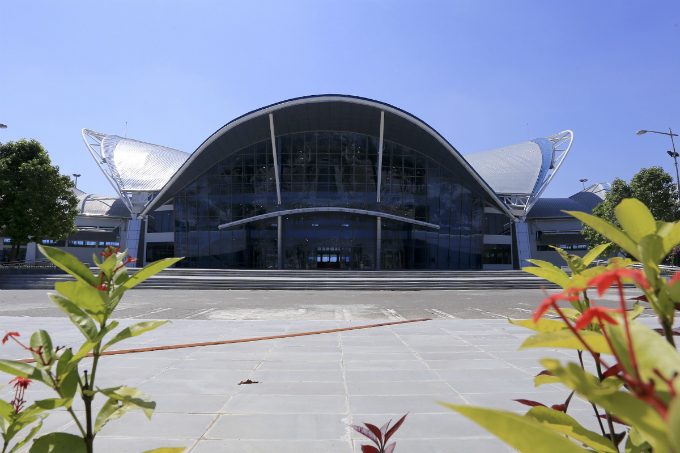 da-nang-turns-exhibition-space-into-media-center-in-preparation-for-apec-1