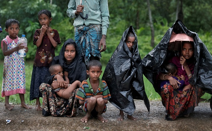 mob-attack-red-cross-crash-hamper-urgently-needed-rohingya-aid