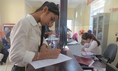 Vietnamese girl loses 6 years of school due to mistaken gender on birth certificate