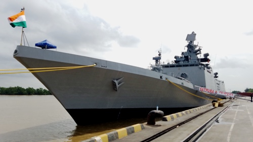 indian-warships-make-port-call-in-northern-vietnam