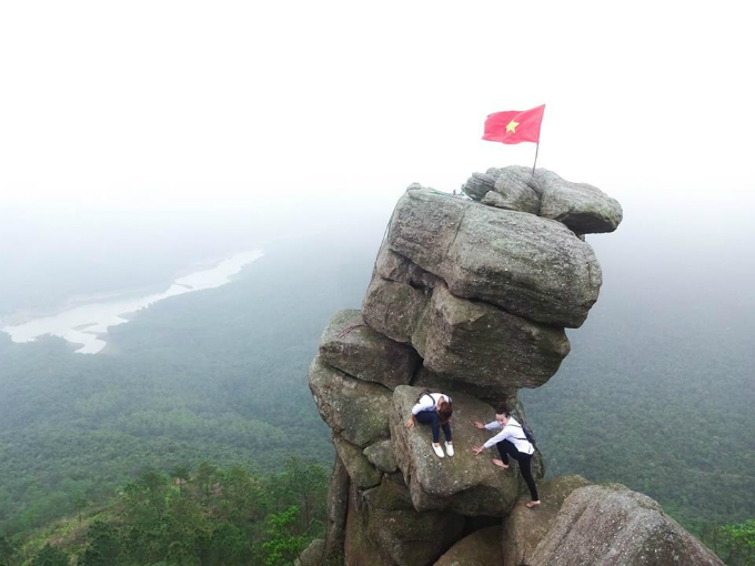 head-for-heights-these-ten-cliffs-in-vietnam-will-blow-your-mind-9