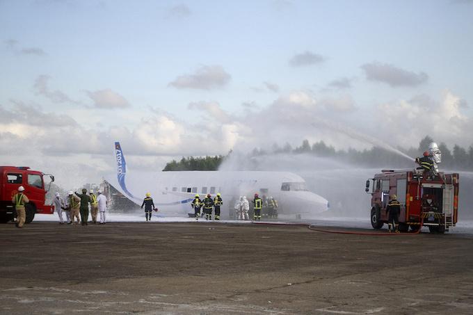 da-nang-practices-air-crash-rescue-ahead-of-apec-summit-1