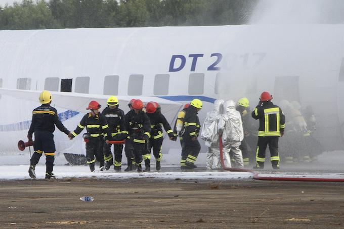da-nang-practices-air-crash-rescue-ahead-of-apec-summit-3
