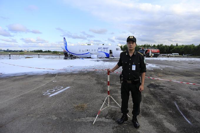 da-nang-practices-air-crash-rescue-ahead-of-apec-summit-10