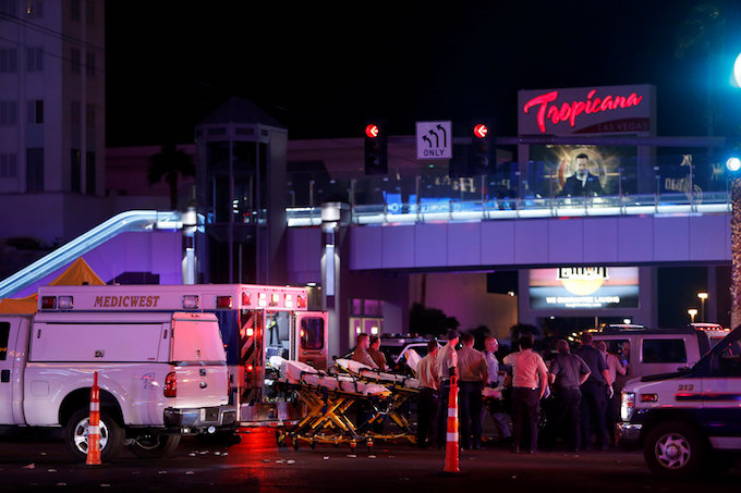 at-least-50-dead-more-than-400-hurt-in-las-vegas-concert-attack