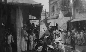 A century back to Hanoi's lantern festival