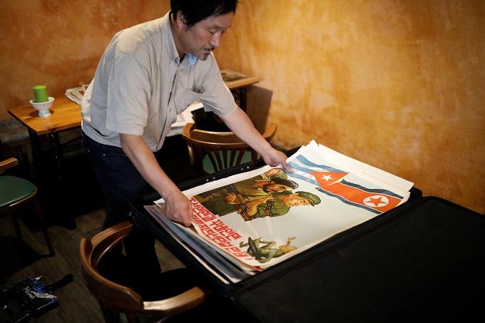 white-tiger-dark-horse-north-korean-art-market-heats-up-1