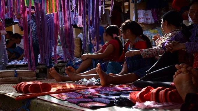 Flea market: Handicraft Textiles