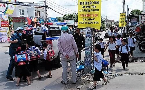 Ammonia gas leak injures four, panics thousands in Saigon