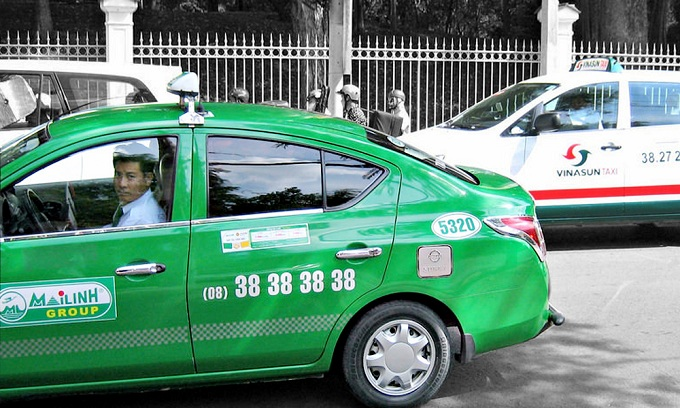 Can traditional taxis survive the onslaught of ride-hailing apps in Vietnam?