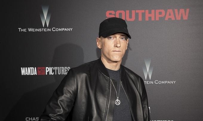 Eminem sears 'racist' Trump at award show
