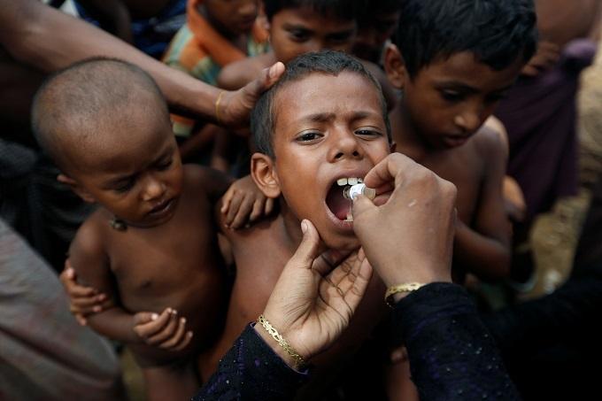 Bangladeshi hospital's 'Rohingya wing' overwhelmed as refugees keep coming