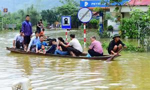 Menacing typhoon threatens to claim more lives in flood-ravaged Vietnam