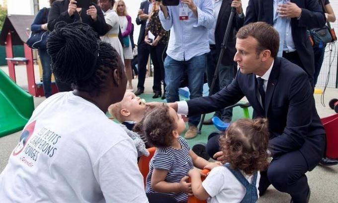 In working class Paris suburb, 'Macronomics' falls flat