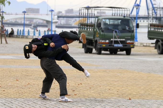 high-kicks-da-nang-police-muscle-up-for-apec-summit-8