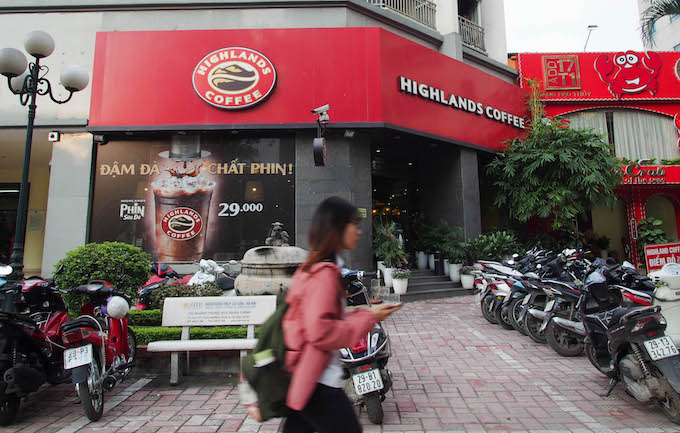 A Highlands coffee shop in Hanoi. Photo by VnExpress/Trang Bui