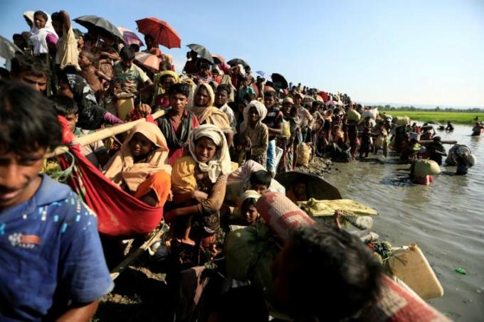 returning-rohingya-may-lose-land-crops-under-myanmar-plans