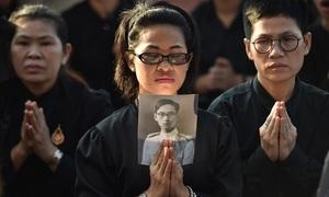 Thais bid final goodbye to beloved King Bhumibol