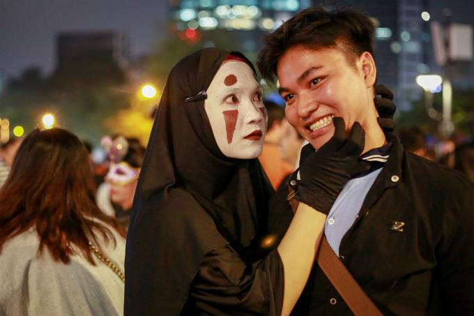 next-episode-of-saigon-halloween-the-haunted-backpacker-street-10