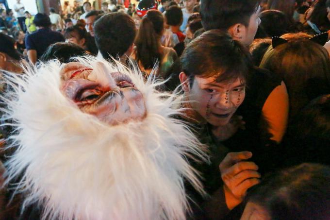 next-episode-of-saigon-halloween-the-haunted-backpacker-street-1