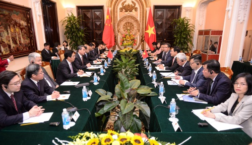 xi-places-great-emphasis-on-developing-relations-with-vietnam-chinese-foreign-minister
