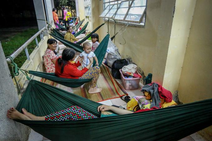 saigon-evacuates-4-000-coastal-residents-as-storm-damrey-nears-9