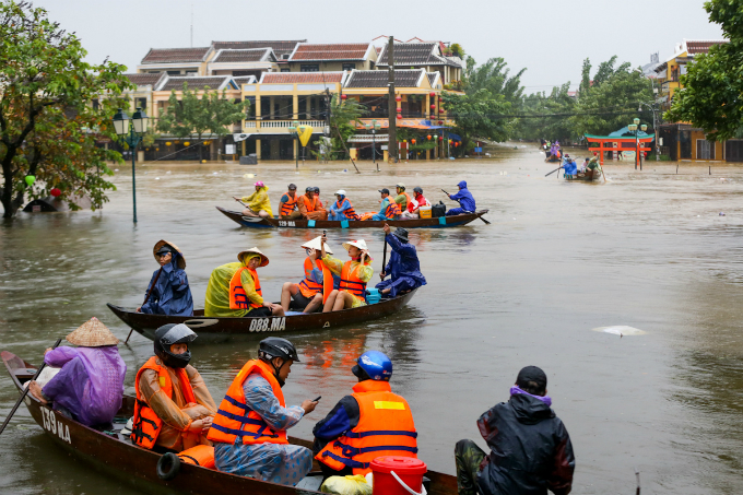 From early Sunday morning, Hoi An, an atmospheric port city and popular stop on Vietnams tourist circuit, has been submerged in water.