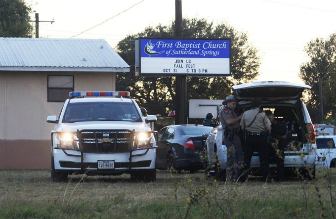 texas-gunman-kills-at-least-26-worshipers-at-small-town-church